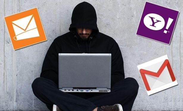 Hàng trăm triệu thư điện tử bị hacker Nga đánh cắp mật khẩu (Ảnh: Mirror)