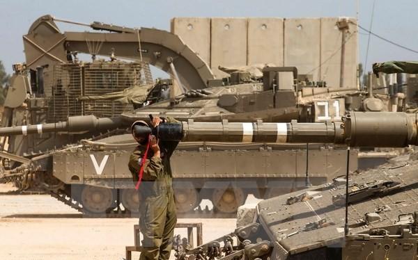 Binh sỹ Israel làm nhiệm vụ tại khu vực biên giới với dải Gaza ngày 6/5. (Nguồn: AFP/TTXVN)