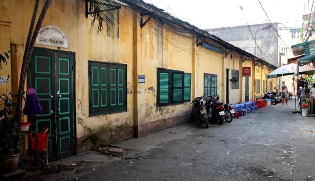 Trụ sở cũ nát của Hãng phim truyện Việt Nam tại số 4 Thụy Khuê, Hà Nội