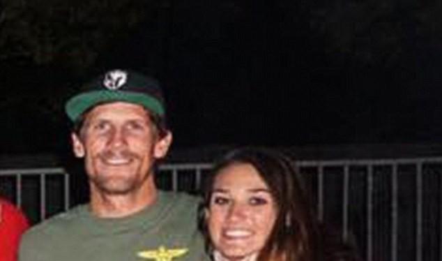 Charles Keating và vị hôn thê Brooke Clark (Ảnh: Facebook)