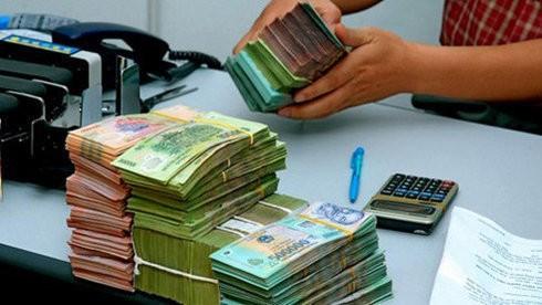 4 tháng, chi vượt thu hơn 53.000 tỉ đồng