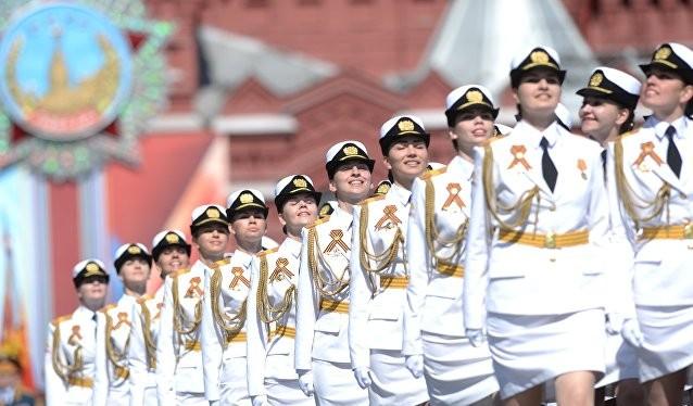 """Tin tức 24h: Nga duyệt binh hoành tráng, Trung Quốc không ngại bành trướng; """"Sức khỏe"""" thầu giao thông quá yếu; Ngày xấu của khủng bố Syria"""