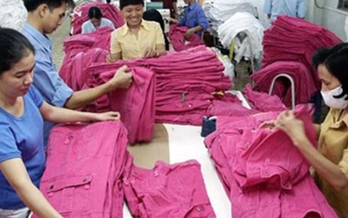 Nhiều doanh nghiệp dệt may đã kín đơn hàng đến cuối năm