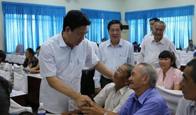 Bí thư Thành ủy TP.HCM Đinh La Thăng tiếp xúc cử tri huyện Hóc Môn chiều 17/5.
