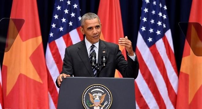 """Tổng thống Obama: """"Cuộc chiến tranh chia rẽ chúng ta nhưng giờ đây hai nước đã hàn gắn""""."""