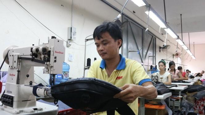 Năm 2015, xuất khẩu túi xách VN sang Mỹ đạt gần 3 tỉ USD - Ảnh: Tiến Long