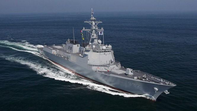 Một khu trục hạm trang bị hệ thống phòng thủ tên lửa Aegis của Hàn Quốc