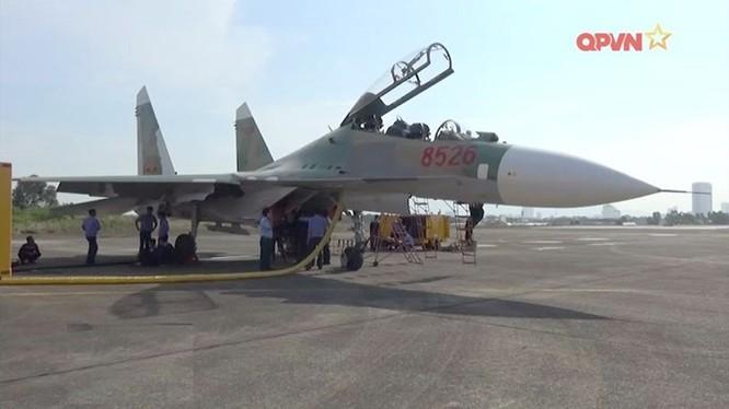 Tiêm kích Su-30MK2 tại Nhà máy A32, Đà Nẵng - Ảnh: clip QPVN