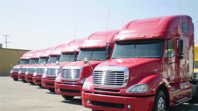 """Tăng thuế nhập khẩu xe đầu kéo Mỹ: Chỉ """"béo"""" xe Trung Quốc"""