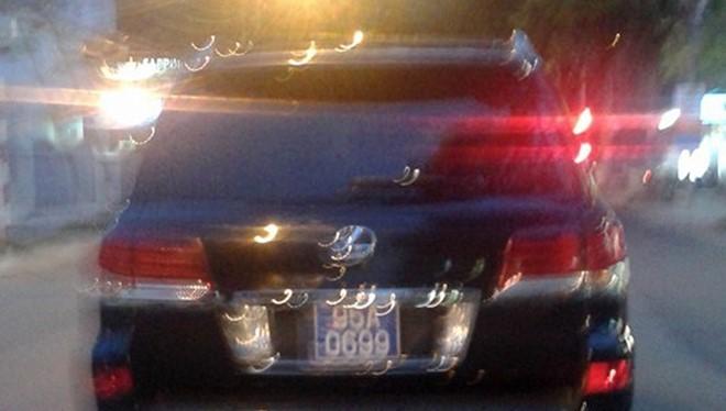 Biển số 95A-0699 được cho là tồn kho, PC67 Hậu Giang cho Văn phòng UBND tỉnh này mượn để gắn vào Lexus tư nhân. Ảnh: CTV.