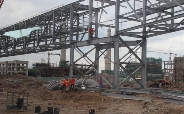 Một góc công trường dự án Formosa (Hà Tĩnh), nơi dự án nhập khẩu nhiều thiết bị để tạo tài sản cố định nhưng sử dụng hóa đơn hoàn thuế không đúng quy định. Ảnh:TL