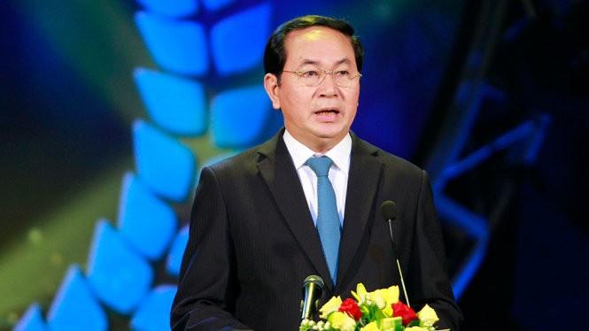 Chủ tịch nước Trần Đại Quang phát biểu và chúc mừng ngày Báo chí Cách mạng Việt Nam tại lễ trao giải - Ảnh: NAM TRẦN