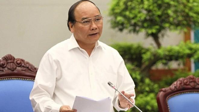 Thủ tướng Nguyễn Xuân Phúc chỉ đạo kết luận Hội nghị trực tuyến.