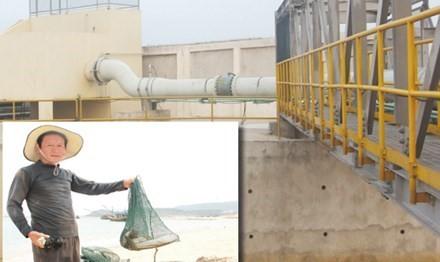 Hệ thống xả thải của Formosa (ảnh lớn); Người dân vùng biển Hà Tĩnh đau lòng vì cá chết (ảnh chụp ngày 26/4).