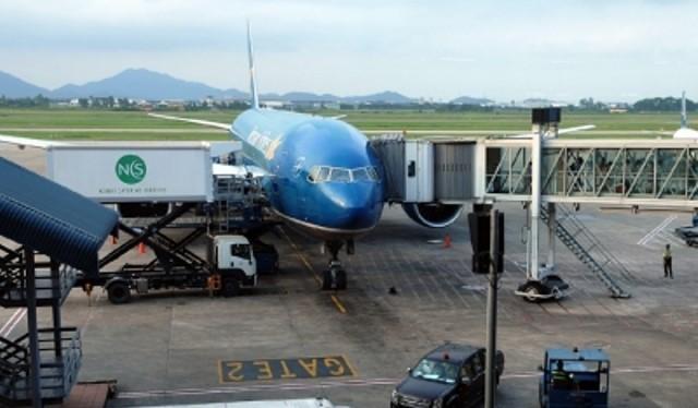 Cửa trước của máy bay Boeing 787 - máy bay hiện đại nhất Việt Nam đã bị hỏng vào sáng 4/7. Ảnh: Cục Hàng không VN.