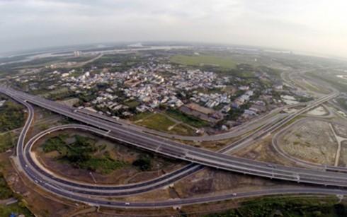 Đường cao tốc TP Hồ Chí Minh - Long Thành - Dầu Giây. (Ảnh: VnExpress)