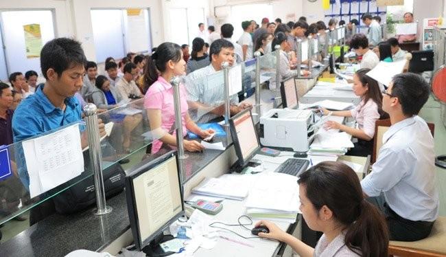 Người dân đăng ký thành lập doanh nghiệp tại TPHCM. Ảnh minh họa: Quốc Hùng