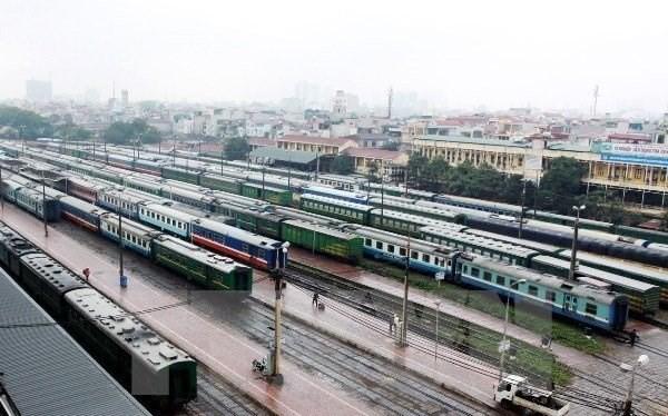 Đoàn tàu của ngành đường sắt tại ga Hà Nội. (Ảnh: TTXVN)
