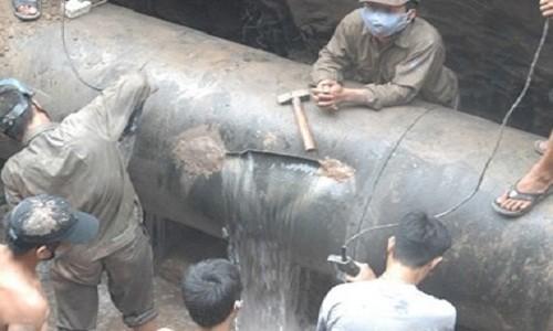 Một vụ vỡ đường ống nước sông Đà
