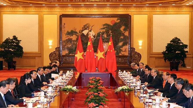 Hội đàm giữa hai đoàn cấp cao Việt Nam - Trung Quốc. Ảnh: VGP