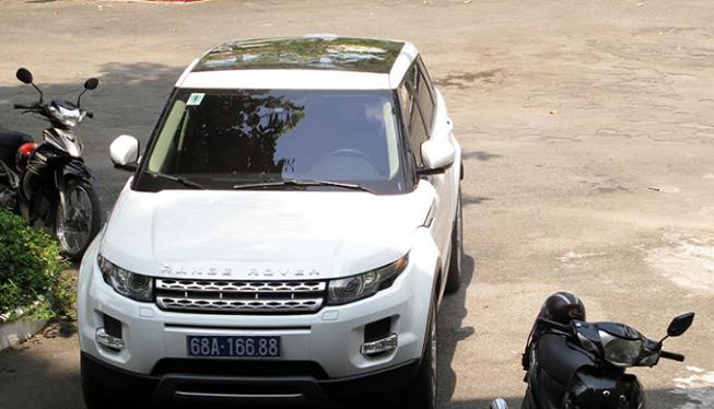 Xe Range Rover biển số 68A-166.88.