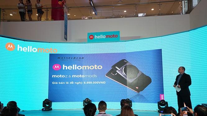 Đại diện Lenovo Mobile chia sẻ về Moto Z