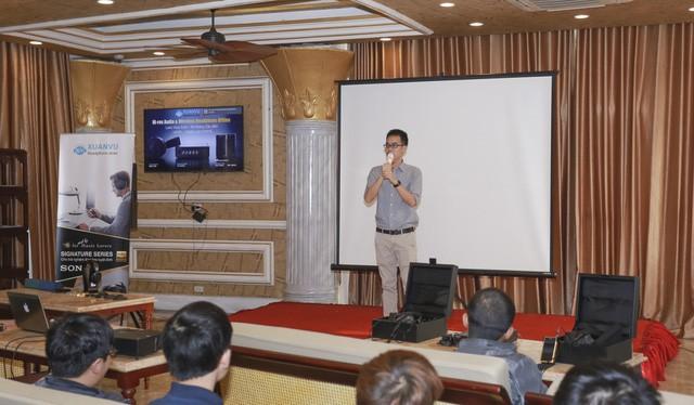 Anh Nguyễn Xuân Vũ - CEO Xuân Vũ Audio phát biểu lý do tổ chức buổi offline