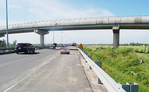 Nhiều tuyến đường chủ đầu tư chỉ nâng cấp sửa chữa rồi thu phí