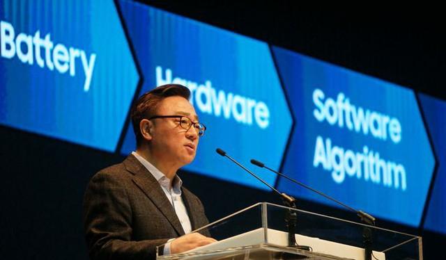 Phó chủ tịch mảng Mobile của Samsung, ông Lee Kyeong-tae.