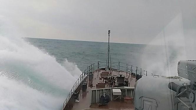 Chiến hạm Gepard 3.9 của Việt Nam rẽ sóng thử nghiệm ở Novorossiysk trên Biển Đen, cuối năm 2016