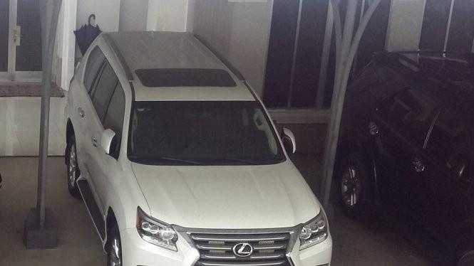Một trong hai xe Lexus GX460 được Công ty Công lý tặng cho tỉnh Cà Mau - Ảnh: CTV