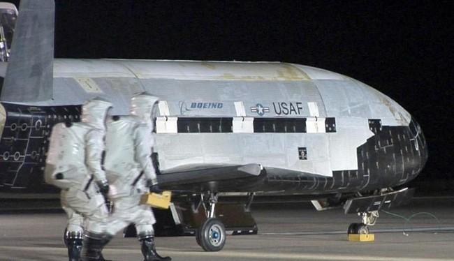Máy bay không gian không người lái X-37B Mỹ. Ảnh: The Sun
