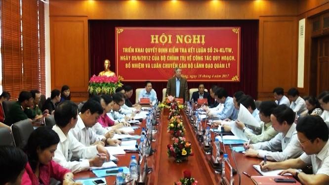 Đoàn công tác của Bộ Chính trị làm việc với tỉnh Cao Bằng về công tác cán bộ. Ảnh: Đài PTTH Cao Bằng