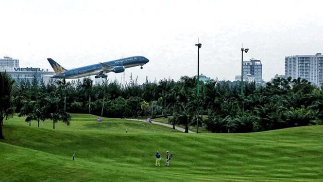 Sân golf Tân Sơn Nhất cạnh sân bay. ẢNH: ĐỘC LẬP