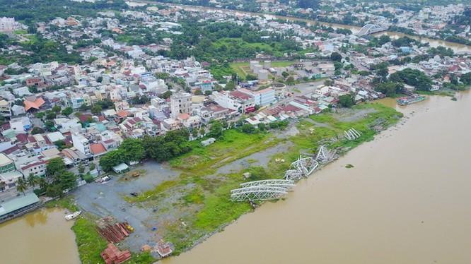 Sau hơn 2 năm tạm dừng dự án Cải tạo cảnh quan và phát triển đô thị ven sông Đồng Nai, Chính phủ vừa giao Chủ tịch UBND tỉnh Đồng Nai quyết định và chịu trách nhiệm xử lý các vấn đề liên quan đến dự án này.