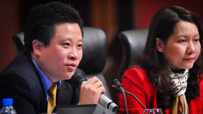 Hai bị cáo Hà Văn Thắm và Nguyễn Minh Thu. Ảnh VNE