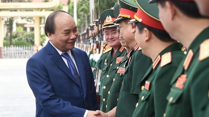 Thủ tướng Nguyễn Xuân Phúc tại lễ khai giảng năm học 2017-2018 của Học viện Quốc phòng. Ảnh: VGP