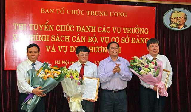 Từ trái qua: ông Nguyễn Xuân Liết, ông Phạm Mạnh Khởi, ông Phạm Minh Chính (Ủy viên Bộ Chính trị, Bí thư Trung ương Đảng, Trưởng Ban Tổ chức Trung ương), và ông Đỗ Phương Đông. Ảnh: Tạp chí Xây Dựng Đảng