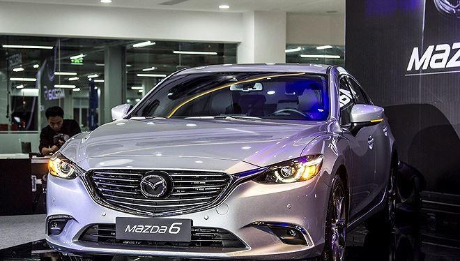 Mẫu sedan hạng trung Mazda 6 do Thaco lắp ráp, kinh doanh. Sau thời gian giảm liên tục, Thaco là hãng đầu tiên dò dẫm tăng giá bán xe. Ảnh: Thaco