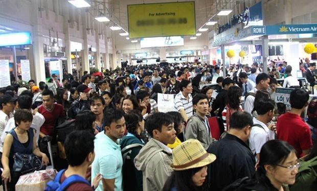 Sân bay Tân Sơn Nhất bị quá tải. Ảnh: Vnexpress.net