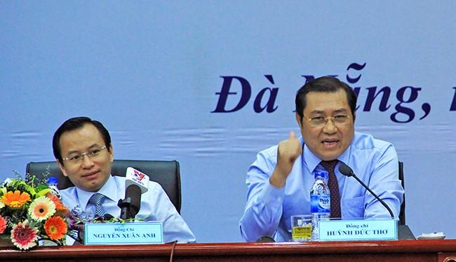 Ông Huỳnh Đức Thơ (bên phải) và ông Nguyễn Xuân Anh (bên trái) - cựu Bí thư thành ủy Đà Nẵng. Ảnh: Xuân Mai