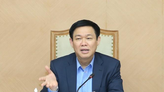 Phó Thủ tướng Vương Đình Huệ chủ trì buổi họp đầu tiên của Tổ công tác. Ảnh: VGP
