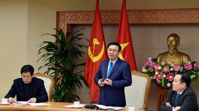 Phó Thủ tướng Vương Đình Huệ tại cuộc họp của Ban chỉ đạo về tình hình sắp xếp, cổ phần hóa, thoái vốn, tái cơ cấu doanh nghiệp Nhà nước (DNNN) và phát triển doanh nghiệp năm 2017. Ảnh: VGP
