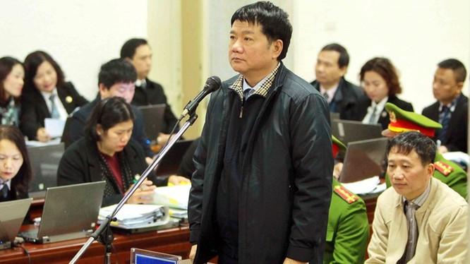 Các ông Đinh La Thăng, Trịnh Xuân Thanh tại phiên xử sơ thẩm. Ảnh: TTXVN