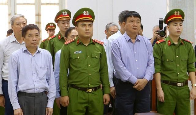 Ông Đinh La Thăng trong phiên xử sơ thẩm vụ án tại OceanBank. Ảnh: Dân trí