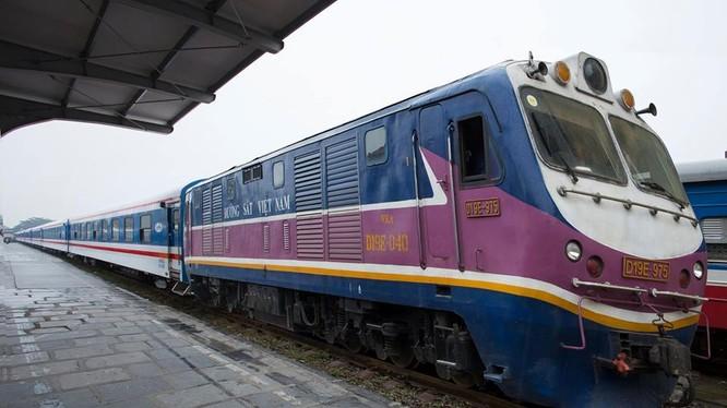 Đường sắt VN đang tập trung đóng mới toa xe chất lượng cao