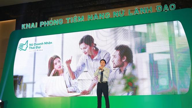 Ông Đào Gia Hưng - Phó GĐ khối Khối Khách hàng Doanh nghiệp vừa và nhỏ của VPBank phát biểu tại sự kiện