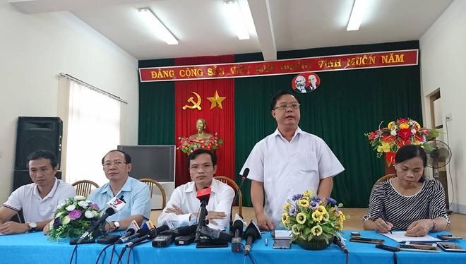 Tổ công tác của Bộ GTĐT công bố sai phạm thi THPT tại Sơn La ngày 23/7. Nguồn: Dân trí