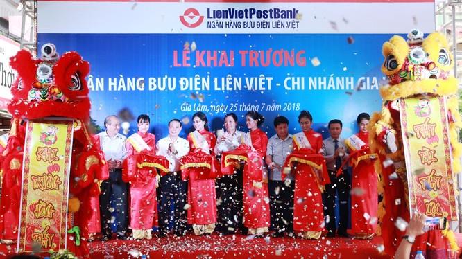 Lễ khai trương Chi nhánh LienVietPostBank Gia Lâm