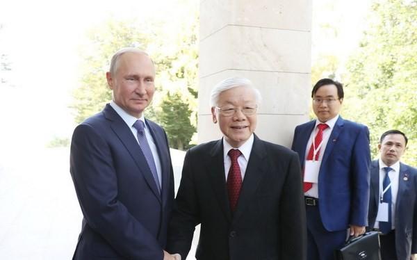 Tổng thống Liên bang Nga Vladimir Putin đón Tổng Bí thư Nguyễn Phú Trọng. Ảnh: TTXVN